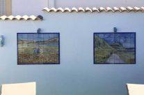 Proceso de pintura de mural cerámico.