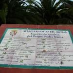 Rótulos descriptivos de la flora local. Mural de cerámica para parque de polígono industrial