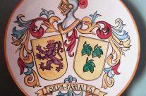 Plato con escudos heráldicos